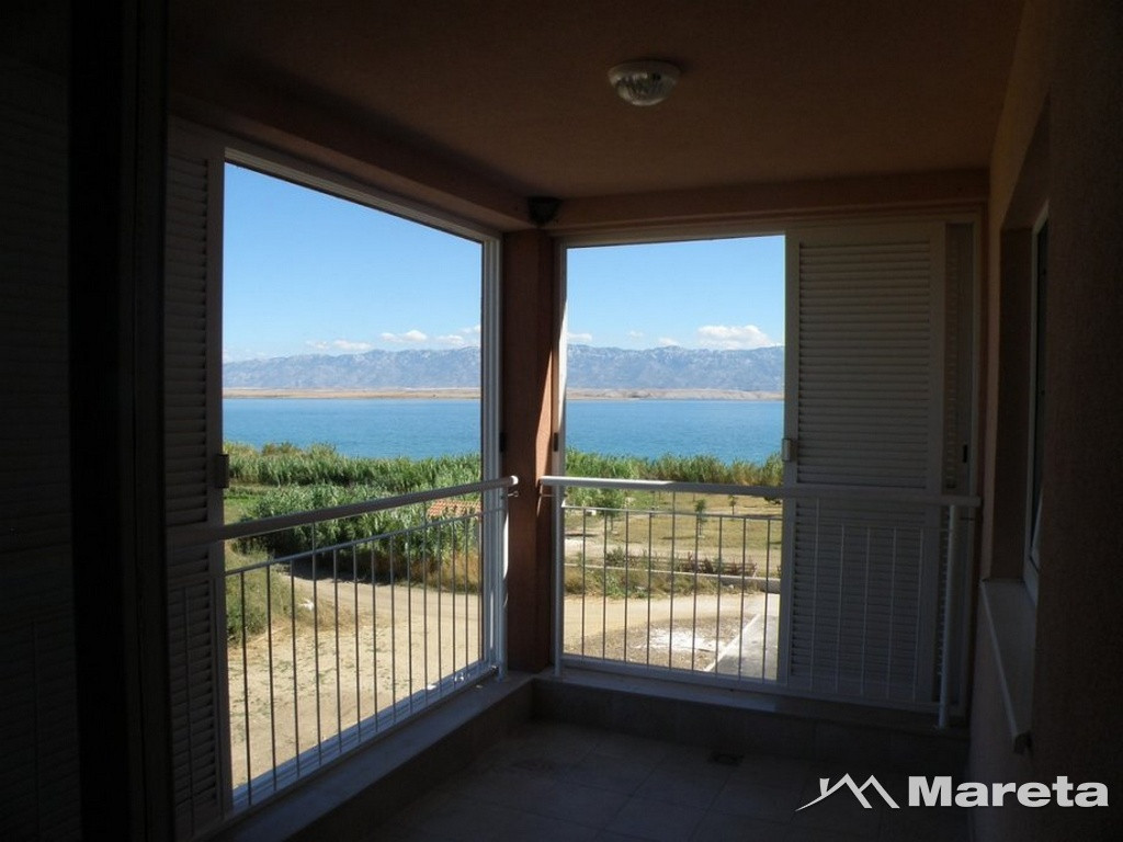 APARTMAN 71M2 1.KAT, PRVI RED DO PLAŽE